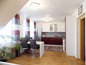 Prodej, byt 2+1, 89 m2, Jenštejn