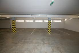 Pronájem, garážové stání 12 m2, Brno, ul. Žabí