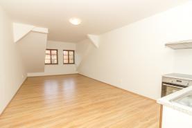 Pronájem, byt 2+kk, 51 m2, Kostelec nad Černými Lesy