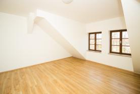 Pronájem, byt 2+kk, 46 m2, Kostelec nad Černými Lesy