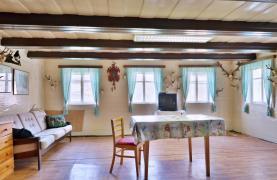 Kuchyň s obývacím pokojem (Prodej, rodinný dům, Mníšek, ul. U Potoka)