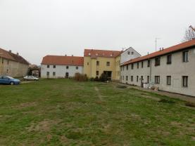 Pohled ze dvora1.1 (Prodej, nájemní domy, Brozany n/Ohří), foto 2/12
