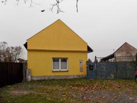 Prodej, rodinný dům - zemědělská usedlost, 4024 m2, Stratov