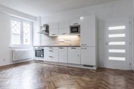 Prodej, byt 4+1, 140 m2, Aš