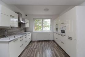 Prodej, byt 3+kk, 74 m², zahrada, 99 m², Přezletice