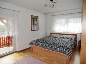Ložnice první byt (Prodej, rodinný dům 7+2, 302 m2, Kadaň, ul. Třešňová), foto 3/44
