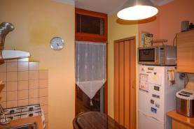 kuchyně s balkonem (Prodej, byt 2+1, Ústí nad Labem, ul. Mánesova), foto 3/4