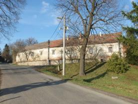 Prodej, rodinný dům, 5450 m2, Skůry