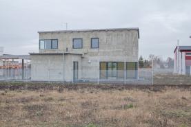 Pronájem, rodinný dům, 5+kk, 160 m2, Praha 8, ul. Statková