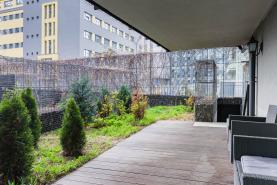 Prodej, byt 2+kk, 87 m2, Praha, Central Park s předzahrádkou