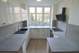 Prodej, byt 2+kk, 61 m2, Plzeň, ul. Dobrovského BYT č. 5