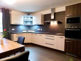 Pronájem, byt 3+kk, 85 m2, Dobelice