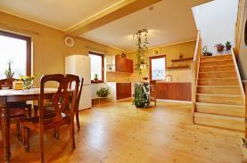 Prodej, rodinný dům, 888 m2, Veverské Knínice