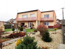 Prodej, rodinný dům, 982 m2, 4+1 a 1+kk, Strašice