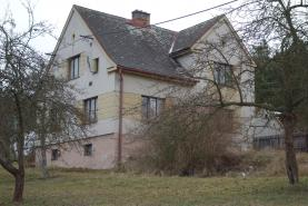 Prodej, rodinný dům 4+1, 1085 m2, Trnová