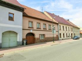 Prodej, rodinný dům, 6+1, 400 m2,Třebenice, ul. Masarykova