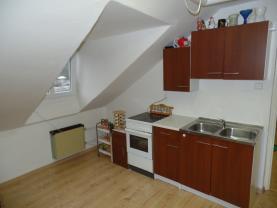 kuchyně v podkroví (Prodej, rodinný dům, Ústí nad Labem-centrum, ul. Masarykova), foto 2/19
