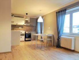 Pronájem, byt 1+kk, 29 m2, OV, Kadaň, ul. Jungmannova