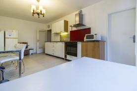 (Prodej, byt 3+1, 68 m2, Praha 8, ul. Chabařovická), foto 4/17