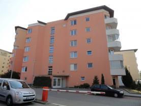 Pronájem, byt 1+kk, 45 m2, ul. Bělohorská