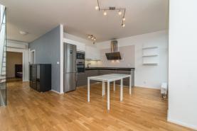 Prodej, byt 2+kk, 108 m2, OV, Praha 10
