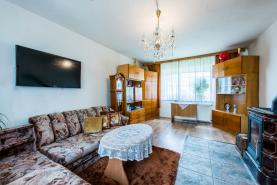Obývací pokoj (Prodej, rodinný dům, 1047 m2, Košťany, ul. Zátiší), foto 4/14