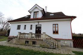 Prodej, rodinný dům, 7+2, 2097 m2, Janovice nad Úhlavou