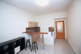 Pronájem, byt 2+kk, 39 m2, Praha 8 - Libeň, ul. Vosmíkových