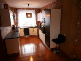 Prodej, rodinný dům, 262 m2, Chrast