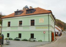 Prodej, nájemní dům, 300 m2, Karlštejn