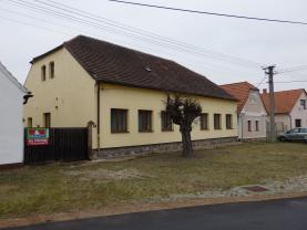 Prodej, rodinný dům 6+1, Zvíkovec