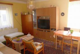 Obývací pokoj + jídelna (Prodej, rodinný dům 541m2, 3+1, Lázně Bělohrad - Jičín), foto 4/17