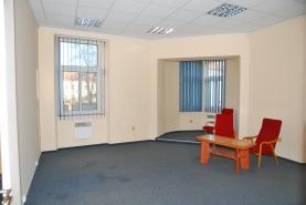 Pronájem, kancelář 33 m2, nám. T.G.Masaryka, Sedlčany