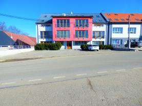 Prodej, byt 1+kk, 43 m2, Břežany u Lešan - Týnec nad Sázavou