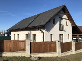 Prodej, rodinný dům 4+kk, 782 m2, Bratronice