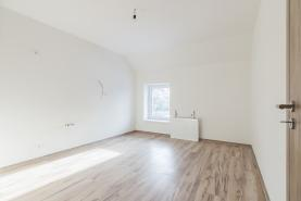 (Prodej, byt 3+1, 82 m2, Holice, ul. Hanzlova), foto 2/10