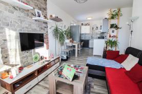 Obývací pokoj (Prodej, byt 2+1, 40 m2, Kladno, ul. Mostecká), foto 2/9
