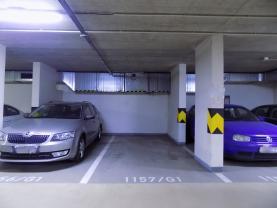 Garážové stání (Prodej, garážové stání, 18 m2, Praha 9, ul. Poděbradská)