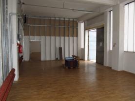 užitný prostor, vrata (Pronájem, komerční prostor, 144 m2, Ústí n/L, Krásné Březno), foto 3/7