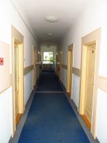středová chodba, vlevo-vpravo kanceláře  (Pronájem, kanceláře, Ústí nad Labem, Krásné Březno), foto 4/14