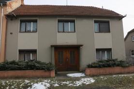 Prodej, rodinný dům 7+2, Kostelec na Hané