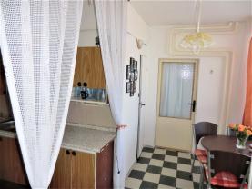 (Prodej, byt 3+1, 61 m2, OV, Chomutov, ul. Seifertova), foto 3/15