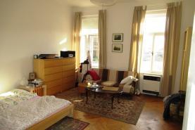 (Pronájem, byt 2+1, 74 m2, Pardubice - centrum)