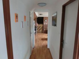 Vstupní chodba (Prodej, byt 3kk, III.NP, 65 m2, OV, Brozany nad Ohří), foto 4/11