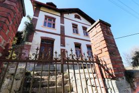 Prodej, rodinný dům 4+1, 200 m2, Plesná, ul. Sadová