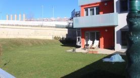 Byt 3+kk, 85 m2, terasa, zahrada, Řeporyje, Praha 5