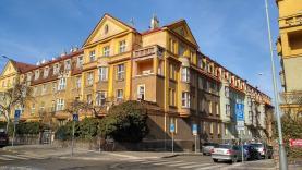 Prodej, byt 2+1, Praha, ul. Na valech