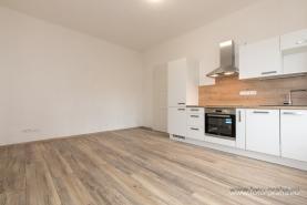 Prodej, byt 2+kk, 42 m2, Praha, ul. Andrštova