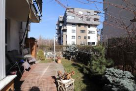 (Prodej, byt 3+kk, Praha 9 - Vysočany, ul. Kabešova)