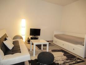 Pronájem, byt 1+1, 37 m2, Kladno, ul. V. Burgra